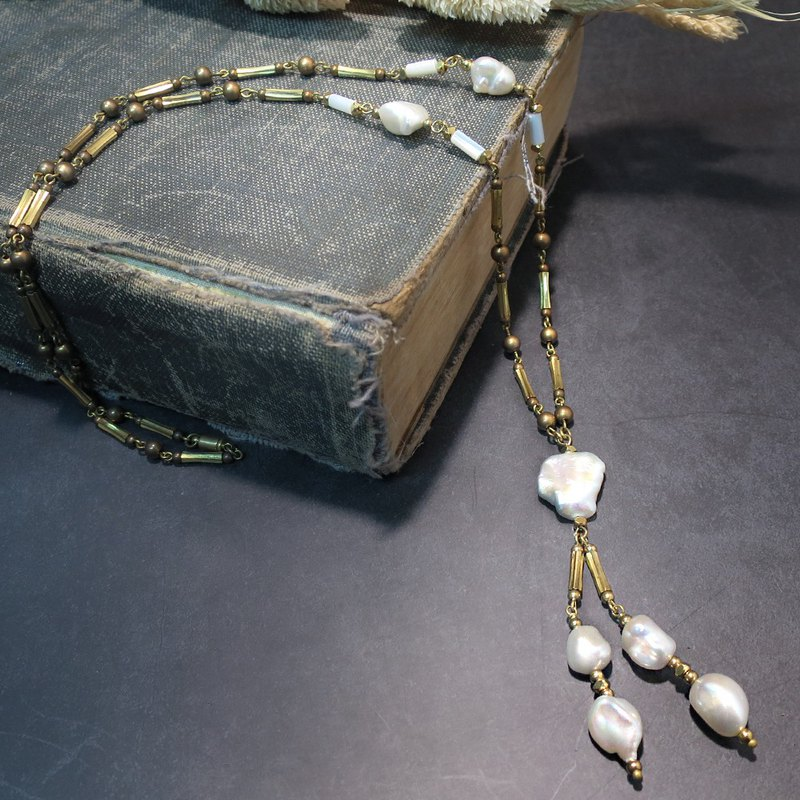 VIIART. Long month. Pearl brass long necklace sweater chain