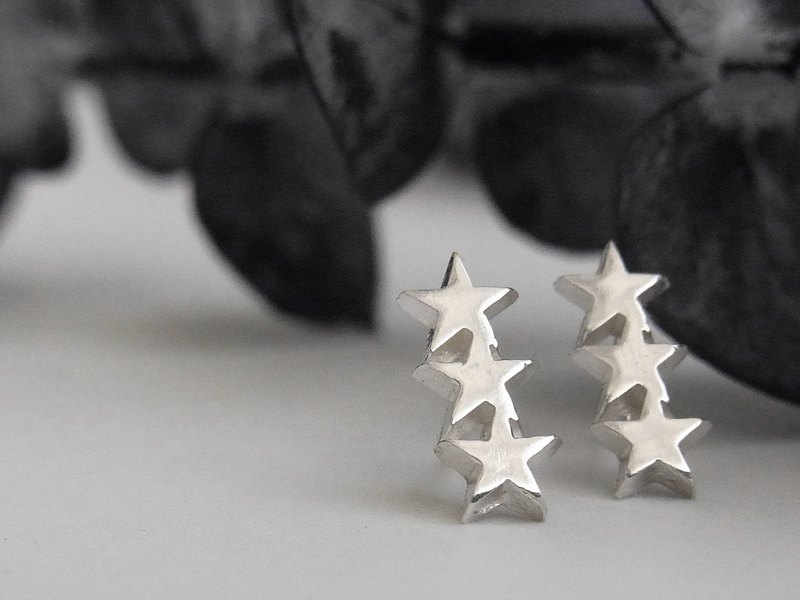 Three star Petit Pierce / silver