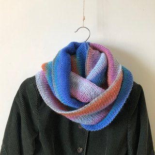 Whitefly - Gradient - Handmade wool neck scarf