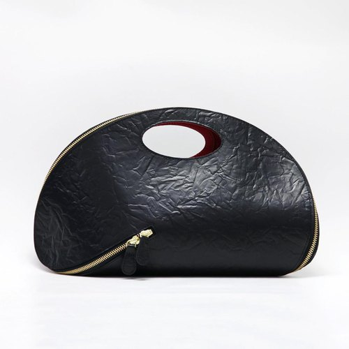 TJ Tsukinagari handbag [fine cow leather wrinkle embossed black] / TTB011EB /