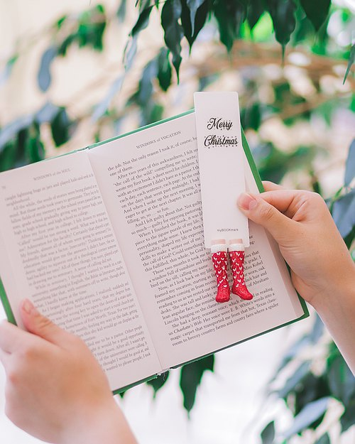 Red and White Knitted Socks from authentic MYBOOKMARK