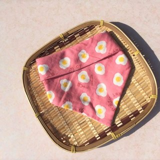 Nutritional poached egg (pink) / Japanese four-layer yarn handmade double-sided triangle bib. Saliva towel. Scarf