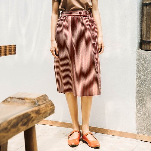 Annie Chen 2018 summer new lady embroidered belt striped skirt