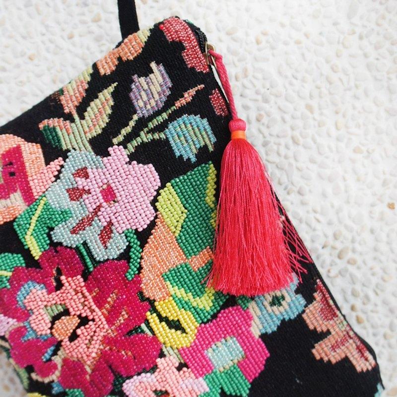珠繡包 手拿包 化妝包 雜物包 收納包*萬紫千紅手包