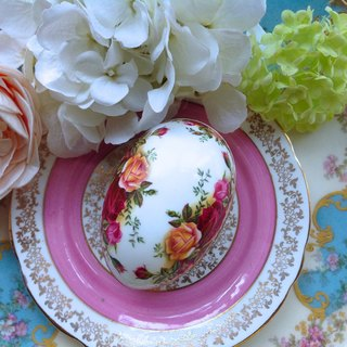 ♥ ♥ Annie crazy Antiquities British Royal bone china Aerbate Royal Albert 22k gold rose countryside egg-shaped jewelry box jewelry box candy box