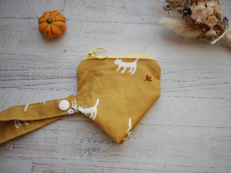 Kitten stereo triangle pacifier bag