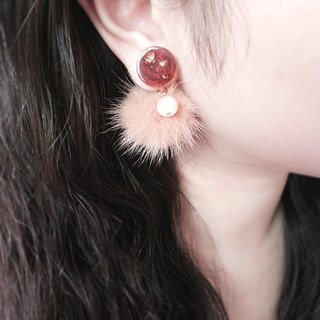 Gold foil amber pattern+fluffy ball earrings / clip-on earrings