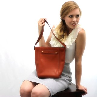 Isabelle Shoulder Bag - Tan