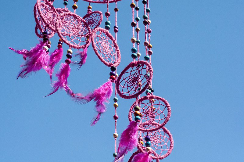 Hand-woven cotton and linen rainbow dream catcher charm Boho wool thread feather dream catcher-pink rotating ladder