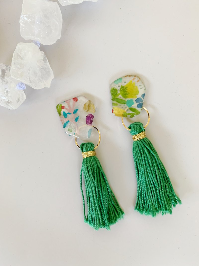 Natural stone green algae watercolor hand-painted gold green hand tied tassel earrings ear clip ear pin dual-use