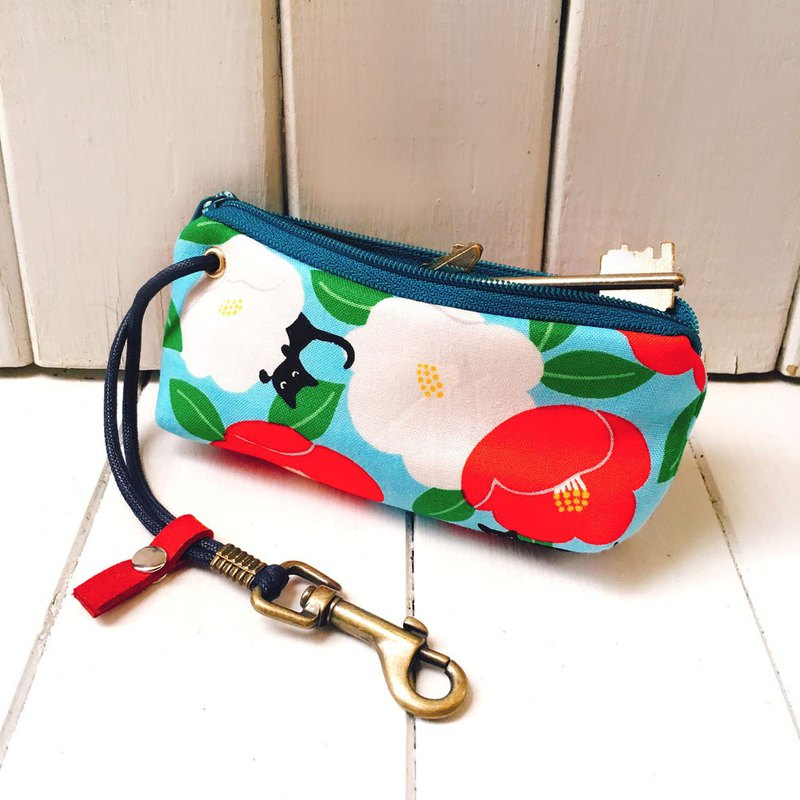 Zipper key case (flowering cat - empty blue) Japanese cloth order production*