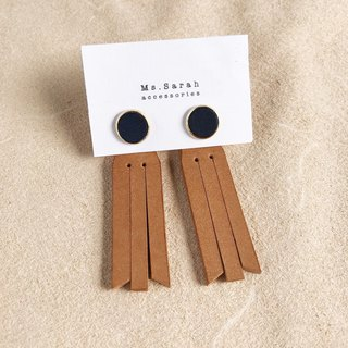 Leather earrings_ Round frame No. 8 works #10_Fringed models_Dark blue with light brown (can be changed)