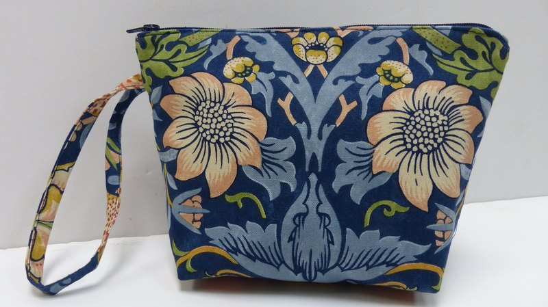 Morris cosmetic bag _ blue C_AR17003C