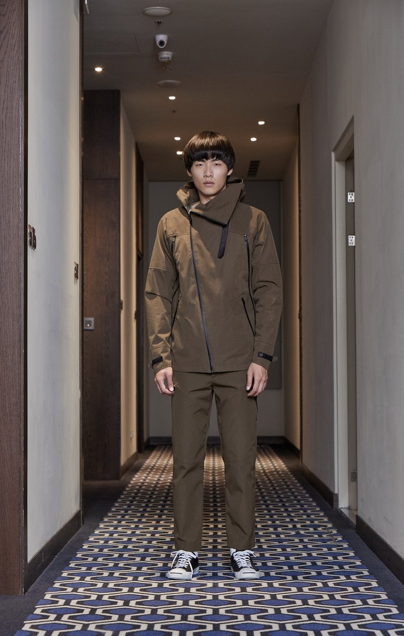 High collar multi-pocket functional jacket - olive green