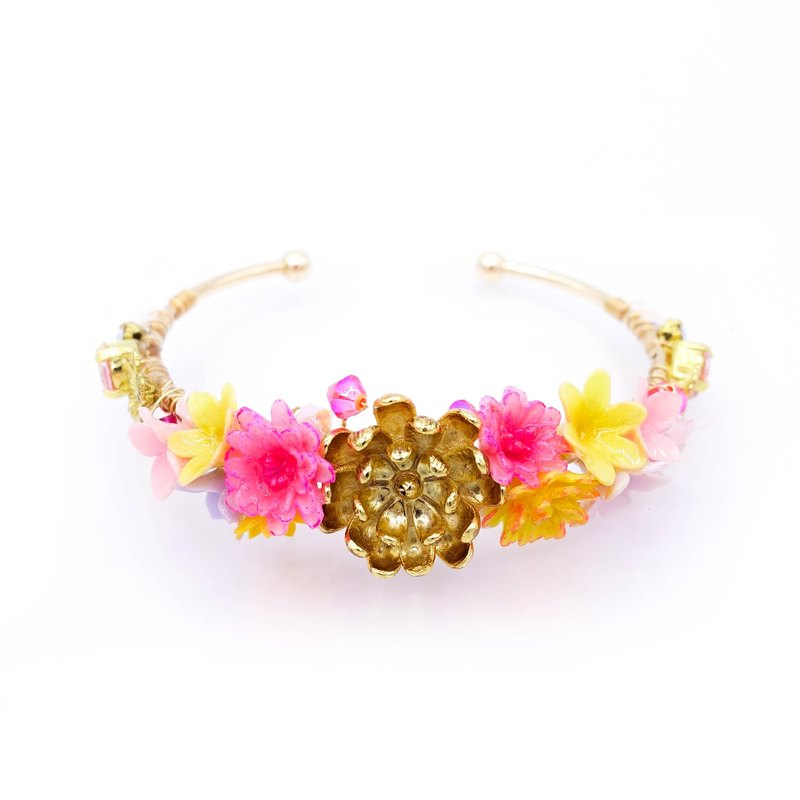Pamycarie ZINNIA Mermaid Crystal Floral Gold-plated Bouquet Bangle
