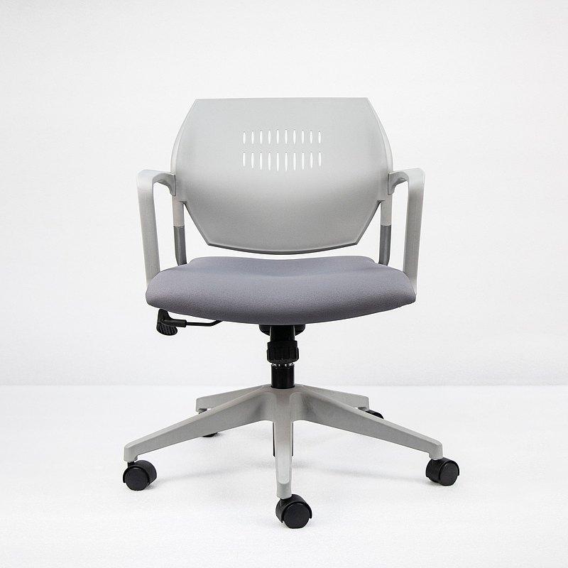 IMPRESSA | 小資扶手辦公椅 - 暖灰