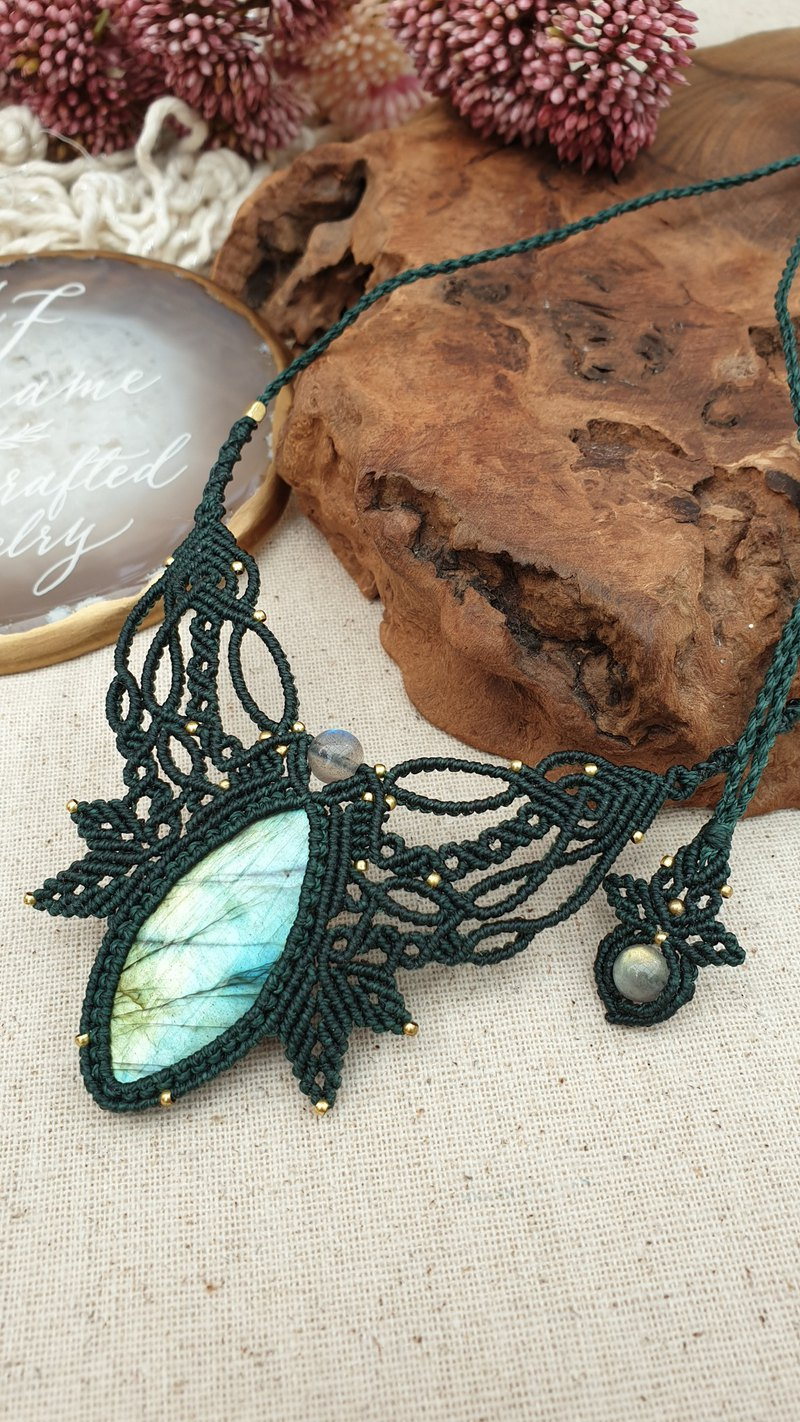 L20 labradorite macrame Necklace Handcrafted