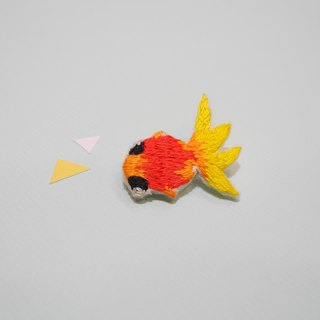 Ocean Department embroidery goldfish brooch pin hand embroidery