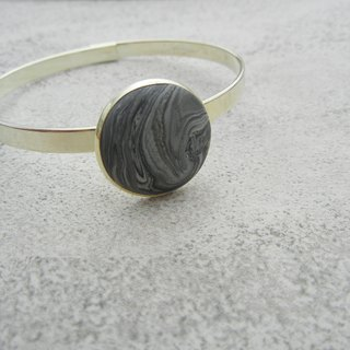 *Coucoubird*gray planet bracelet