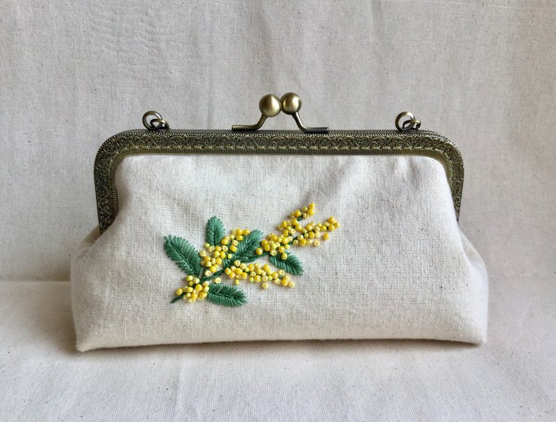 Small yellow flower embroidery gold bag