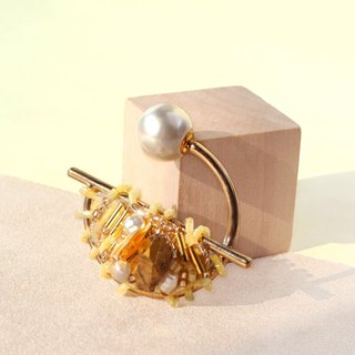 Planet - Gold. Champagne Gold Spar Small Brooch