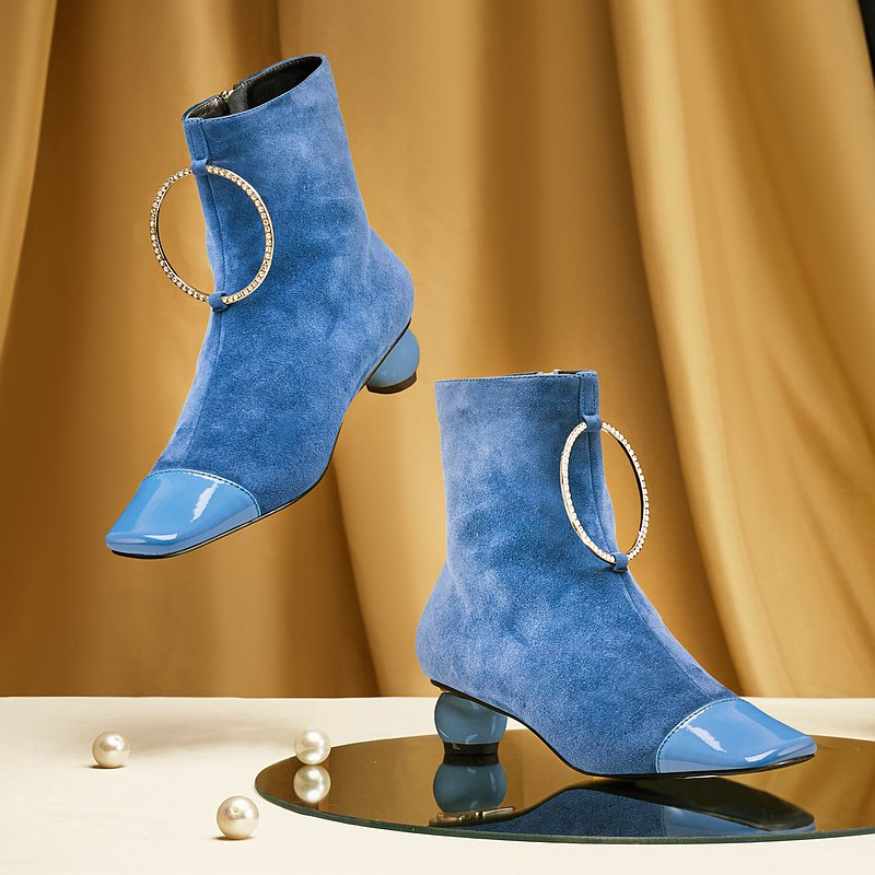 | HOA | Small square toe diamond ring thick heel boots | blue | 5590 |