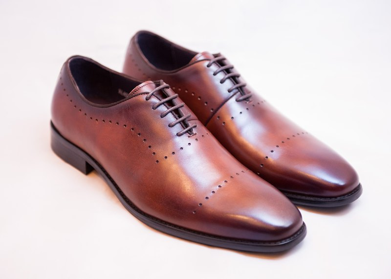 Hand-painted calfskin wood with carved Oxford shoes leather shoes men's shoes - brown - free shipping - E1A24-89