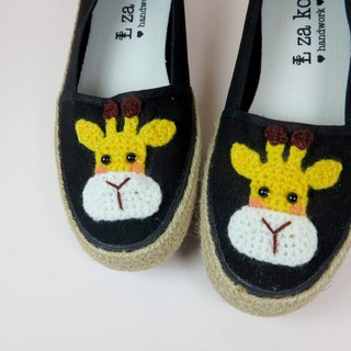 Black cotton hand made canvas shoes giraffe models have a woven section