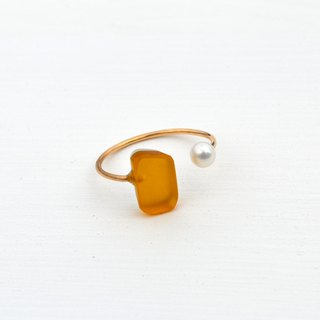 Glass and pearl ring <yellow>
