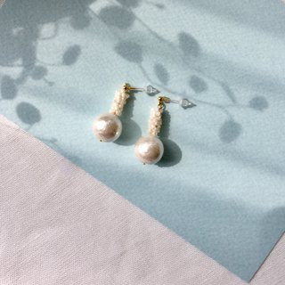Earrings / Beads / White / Cottonpearl