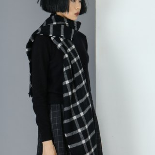 Pure wool black and white grid scarf