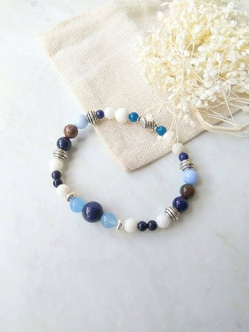 Days and the sea [mind small treasures] blue stone. Blue agate blue chalcedony. White 砗 磲. Indian agate. Tibetan silver men and women neutral bracelet gift