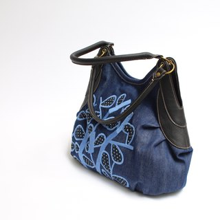 Thorns embroidery embroidery · Granny bag