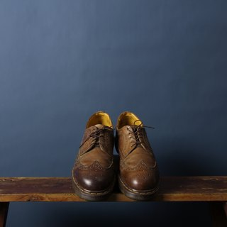 Caramel Brown Dr. Martens Carved Oxford King Martin Shirt Banana Cat. Banana Cats