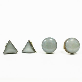 Small triangular geometry of the circular Wood Earrings - gray