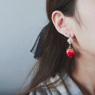 Red Roses Earrings with Cloudy Beads