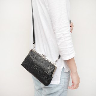 (Increase) big black sheep two shoulder bag shoulder bag / phone bag / mouth gold package [made in Taiwan]
