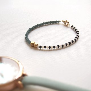 """KeepitPetite"" black and white gray green blue design · · · Jie Keqie surface brass beads bracelet bracelet"