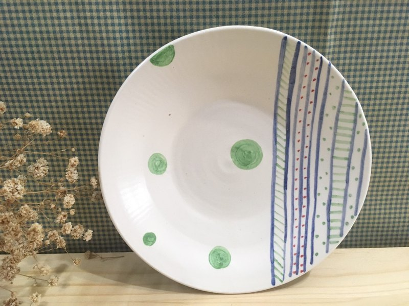 Hand-painted lines - pottery plates