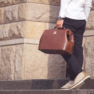 Guillaume doctor bag large hand bag briefcase brown vegetable tanned leather retro