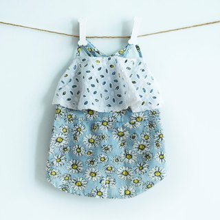 Can be customized. Shoulder strap blue Daisy lace cloth pet clothing