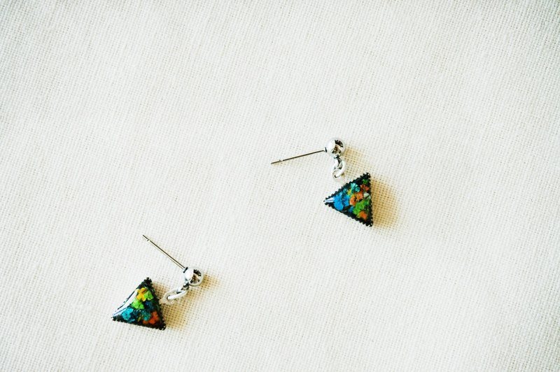 17s-Hexagon Floral Earring-1