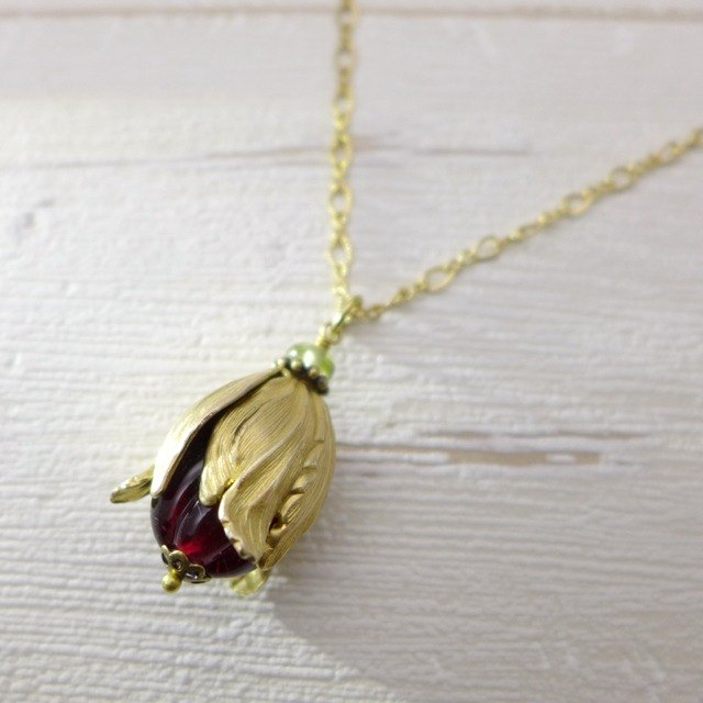 The fruit or flowerbud, Brass and glass necklace, Deep red, Vintage, Antique