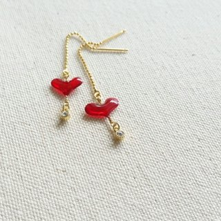 plump heart & bijou pierced earrings or clip-on earrings <red>