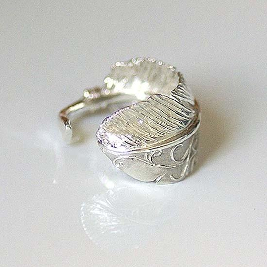 Karakusa Feather ring