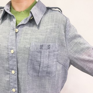 …{DOTTORI :: TOP}Grey Linen Long-Sleeved Shirt