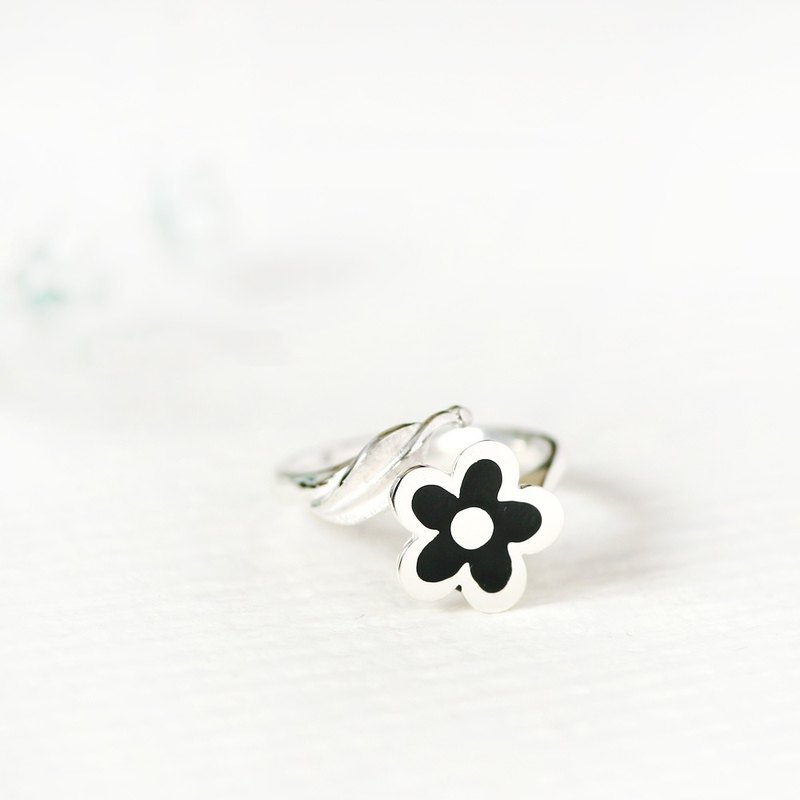 Black flower handwriting style black flower ring silver925