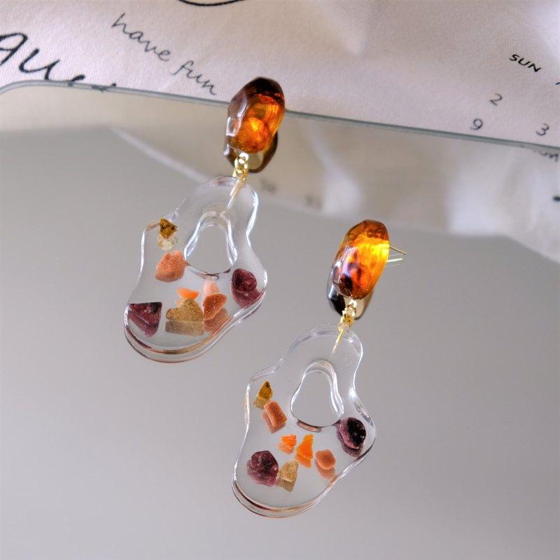 ALYSSA & JAMES  流水形狀 樹脂貝殼小石耳環 (可轉耳夾)