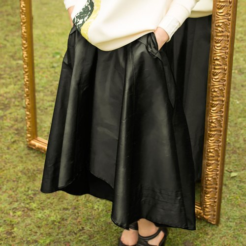 [Celebrate the opening of] black satin Yuanqun Black Silk round Skirt (Original 12800)