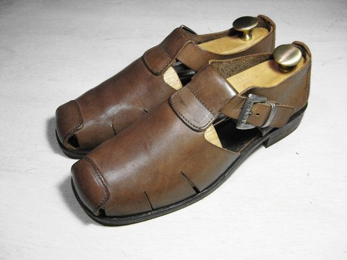 ~ ~ After the gardens of ancient Rome with light brown pigment surface sandals (size men can wear No. 42-43)
